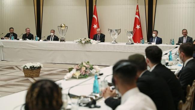Cumhurbaşkanı Erdoğan, Beşiktaş heyetini kabul etti