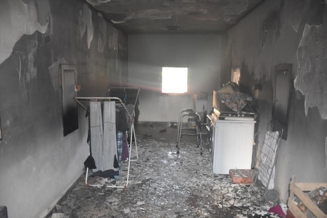 Adana'da apartman yangını: 3 kişi dumandan etkilendi
