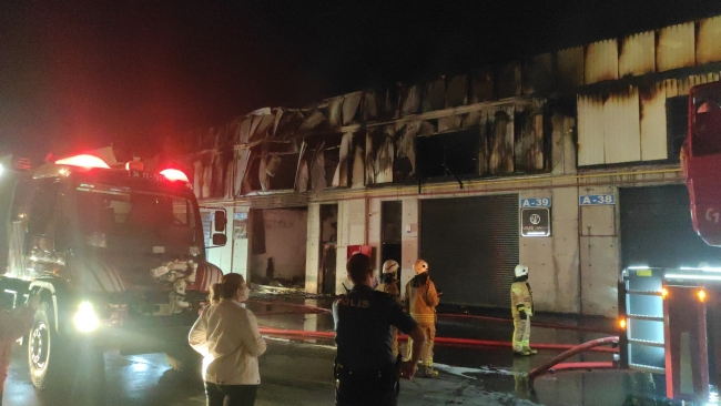 Pendik'te fabrika yangını
