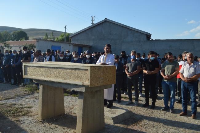 Afyonkarahisar'da sulama göletine giren 2 kardeş boğuldu