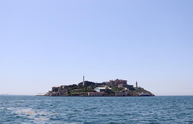 'Demokrasi ve Özgürlükler Adası' anma törenine hazırlanıyor