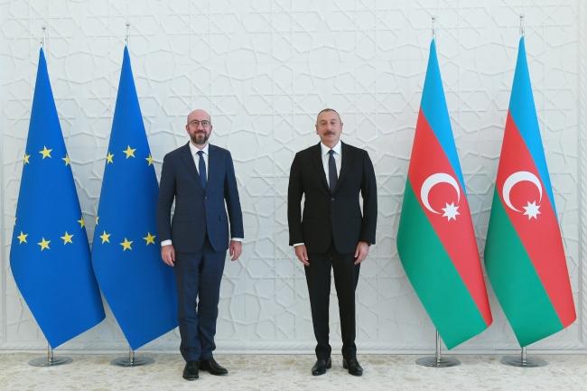 Aliyev, AB Konseyi Başkanı Michel'le görüştü