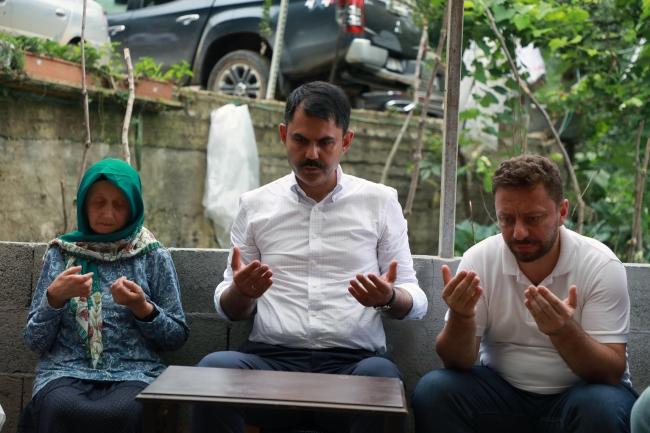 Bakan Kurum'dan Rize'de hayatını kaybedenlerin ailelerine ziyaret