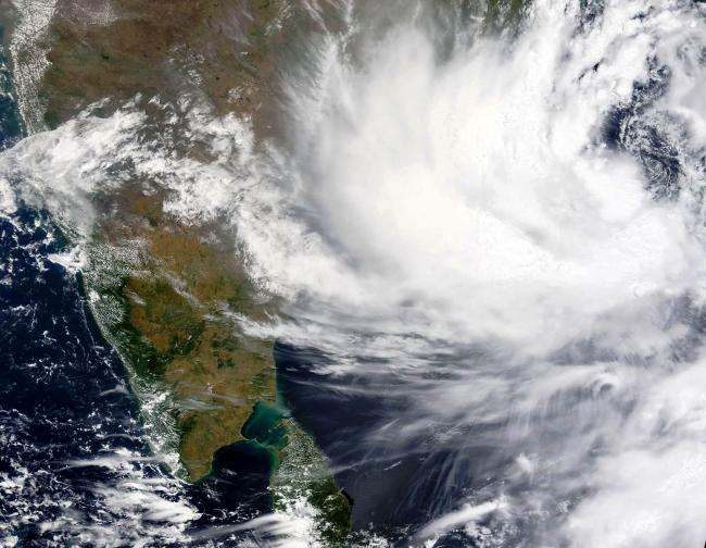Yaas kasırgasının Hindistan'ın doğu kıyılarına yaklaştığını gösteren uydu görüntüsü   Fotoğraf: NASA via AP