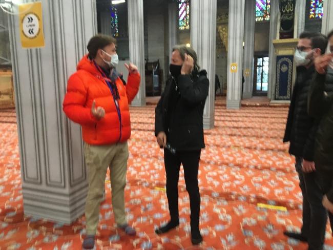 Famous billionaire Hadid prayed at Hagia Sophia Mosque
