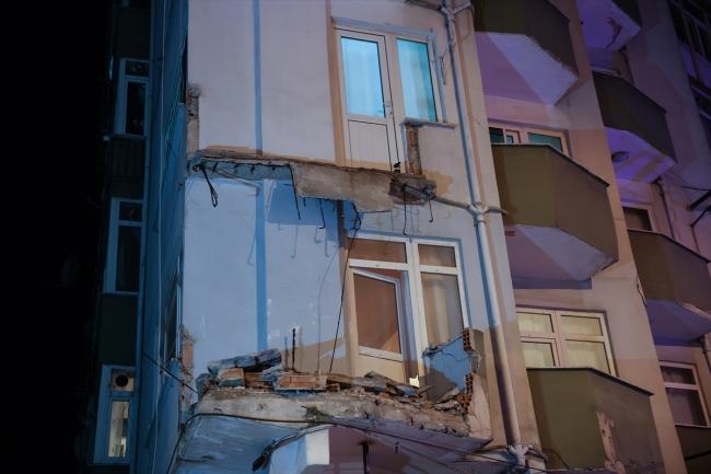Avcılar'da balkonu çöken apartman tahliye edildi
