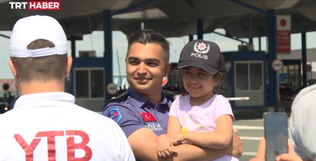 Türk polisinin 'Sıla Yolu' görevi