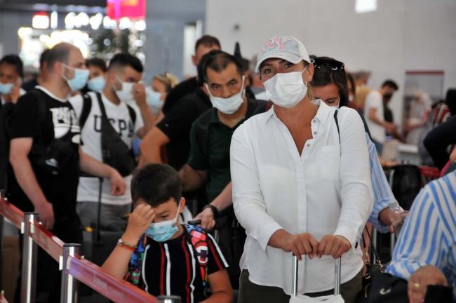 İstanbul Havalimanı'nda bayram yoğunluğı: İki günde 2 bin 122 uçuş