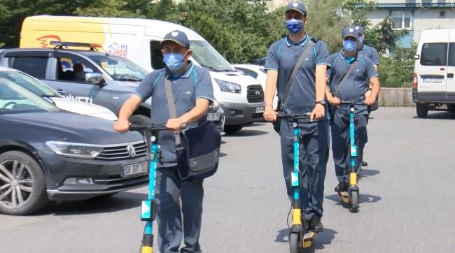 İstanbul'da elektrikli scooterlı postacı dönemi