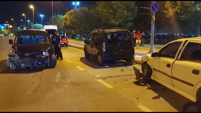 Kartal'da otomobil yayalara çarptı: 3 yaralı