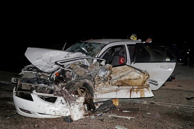 Muğla'da iki otomobil çarpıştı: 1 ölü, 4 yaralı