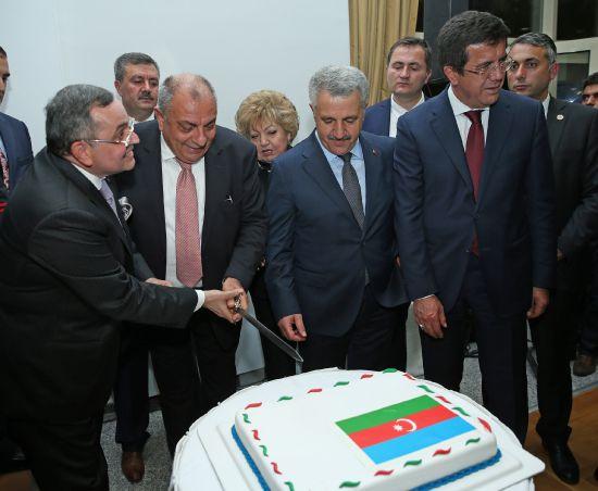 'Azerbaycan'ın eline diken batsa, Türkiye'nin yüreğine diken batar'