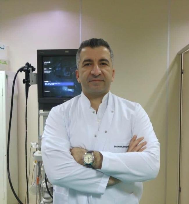 Sağlık Bilimleri Üniversitesi İç Hastalıkları ve Gastroenteroloji Uzmanı Doç. Dr. Alpaslan Tanoğlu