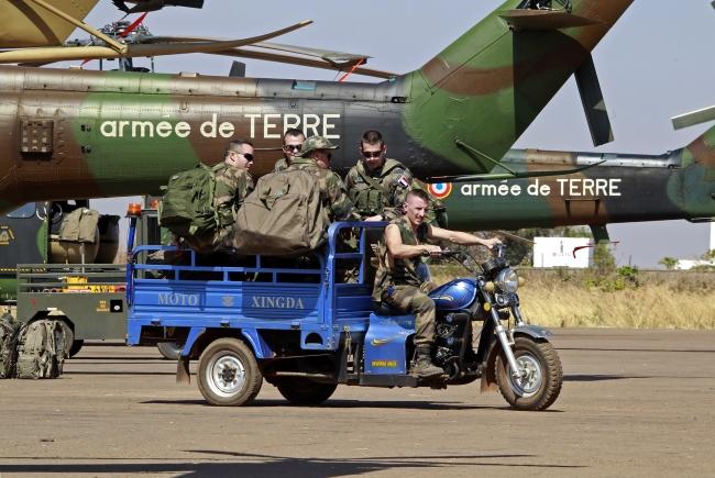 Bamako yakınlarındaki askeri üste Fransız askerleri, Mali. Fotoğraf: Reuters