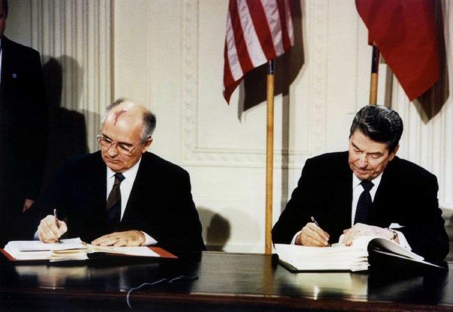 Dağılan Sovyetler Birliği'nin son lideri Mikhail Gorbaçov ve eski ABD Başkanı Ronald Reagan. Fotoğraf: Reuters / Arşiv