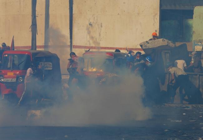 Irak'ta halk, işsizlik, yolsuzluk ve kamu hizmeti yetersizliği gerekçesiyle ülke genelinde protesto gösterileri düzenliyor. Fotoğraf: Reuters
