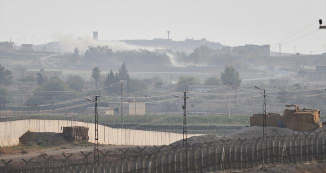 Rasulayn'daki terör hedeflerinden dumanlar yükseliyor. Fotoğraf: AA