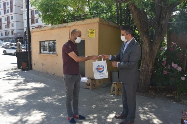 20200624 2 43123937 56193273 Şırnak'a atanan öğretmenler hediyelerle karşılandı 1
