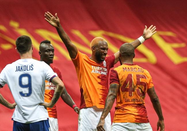 Galatasaray yoluna devam etti