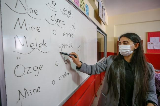 Şermin öğretmen köyün kaderini değiştirdi