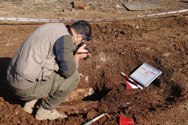 Çocukların bulduğu tarihi mezarda kazı çalışması başlatıldı