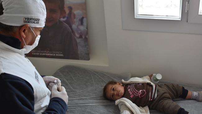 Türkiye'nin Barış Pınarı bölgesine sağlık desteği sürüyor