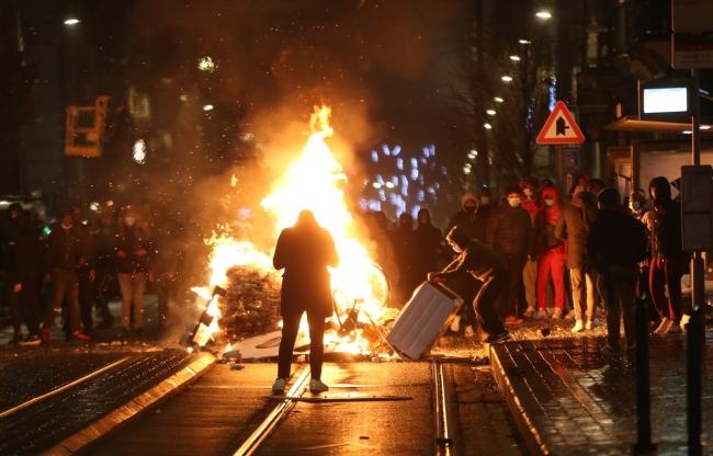 Belçika'da siyahi gencin ölümü halkı sokağa döktü