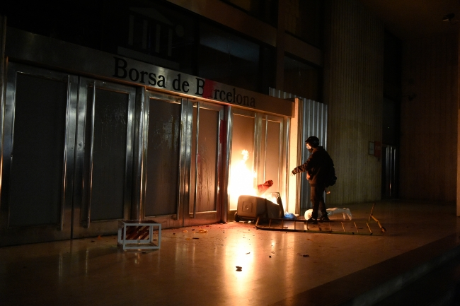 İspanya sokaklarında gerginlik dinmiyor