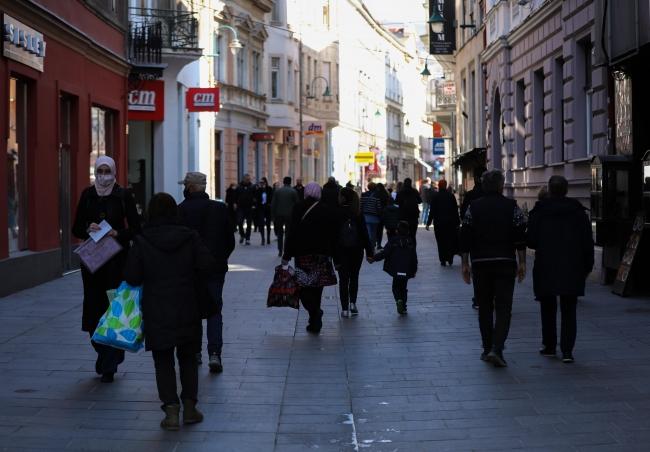 Aşılamanın başlamadığı Bosna Hersek'te vakalar yeniden artıyor