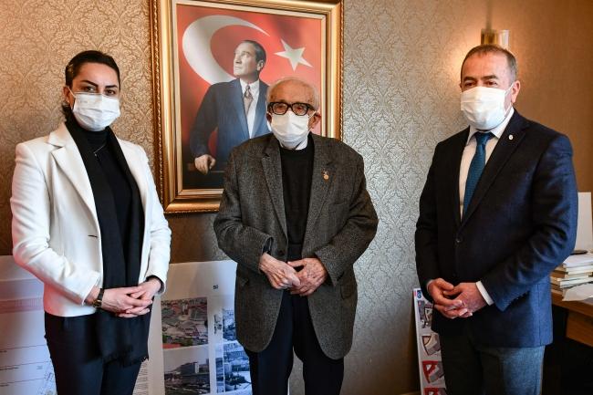 10 bin fotoğraflık Atatürk arşivini Ankara Büyükşehir Belediyesine bağışladı