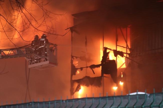 Sakarya'da mobilyacılar çarşısında yangın