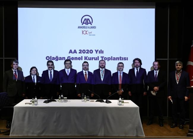 Anadolu Ajansı'nda bayrak değişimi