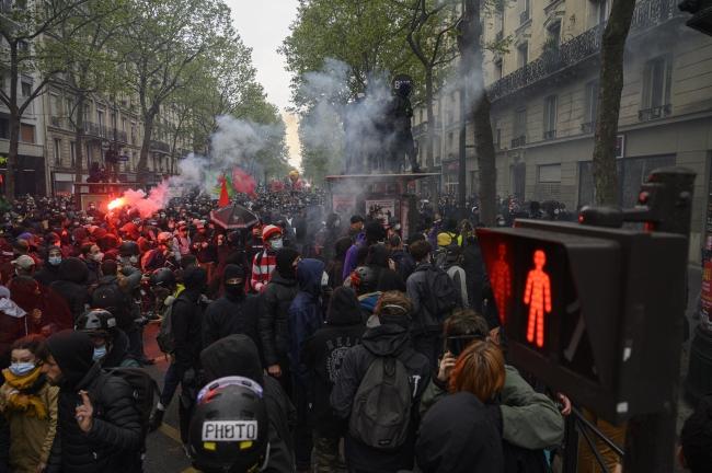 Fransa'daki 1 Mayıs gösterilerinde 39 kişi gözaltına alındı
