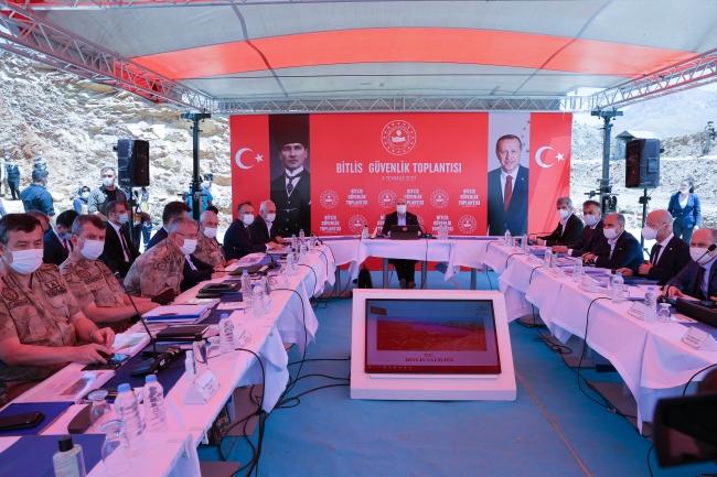 Bakan Soylu Bitlis'te güvenlik toplantısına katıldı