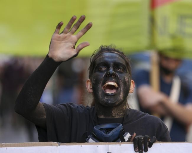 Arjantin'de yüzlerce kişi iklim değişikliğine dikkati çekmek için yürüdü