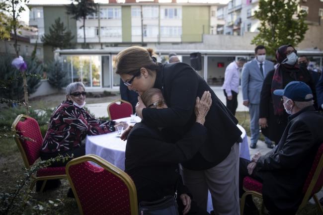 Bakan Yanık, Ankara'da huzurevi sakinleri ile buluştu
