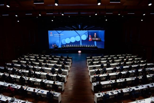 Servet Yardımcı yeniden UEFA Yönetim Kurulu'nda