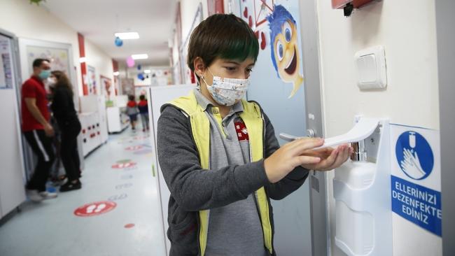 Okullar koronavirüs tedbirleriyle açılacak