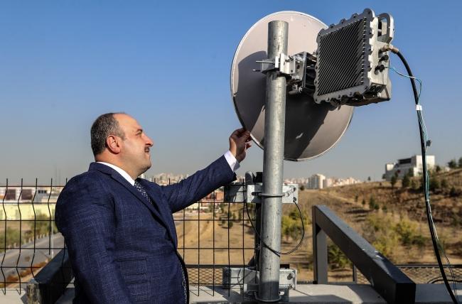 Uçtan Uca Yerli ve Milli 5G Haberleşme Şebekesi Projesi kapsamında geliştirilen ''TR713-7Ghz Radyolink''in testi Bakan Varank'ın katılımıyla yapılmıştı.