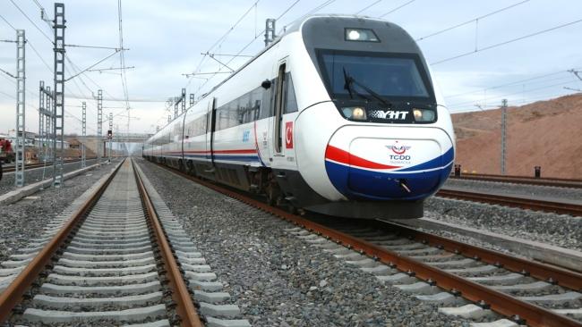 YHT ile demiryolu ulaşımında yeni döneme geçildi