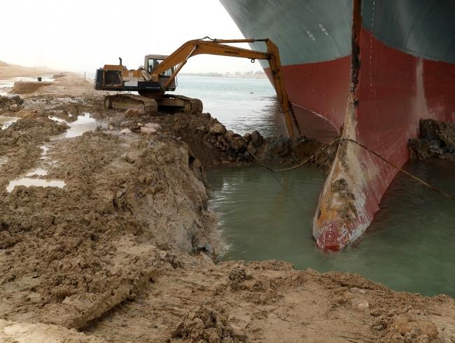 Süveyş Kanalı kapandı, dünya ticareti büyük yara aldı - Son Dakika Haberleri