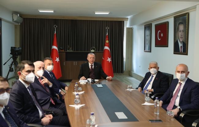Cumhurbaşkanı Erdoğan: TSK, hainlerden temizlendikçe başarıdan başarıya koşuyor