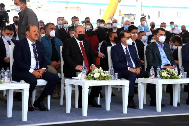 Bakan Dönmez: Türkiye yenilenebilir enerjinin merkez ülkesi olacak