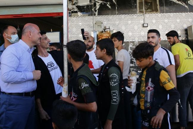 Bakan Soylu Zeytin Dalı bölgesinde güvenlik güçleriyle bayramlaştı