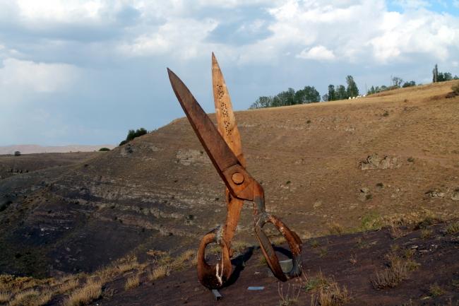 Doğadaki heykellere ziyaretçilerin ilgisi yoğun