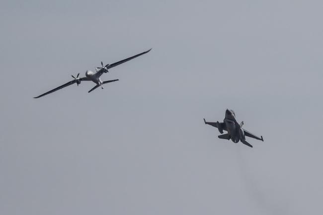 Bayraktar DİHA'nın Akıncı ve F-16 gibi diğer platformlarla 'haberleşmesi' kritik bir kabiliyet.