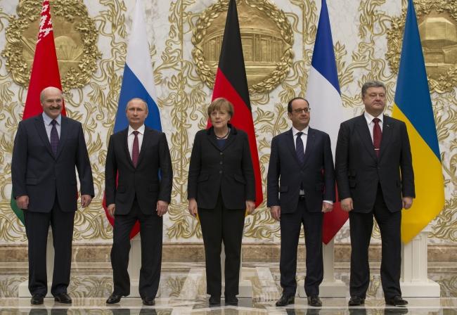 Ukrayna'da barışın yeniden tesis edilmesi için 15 Şubat 2015'te Belarus'un başkenti Minsk'te çok taraflı toplantılar düzenlendi. Fotoğraf: AP