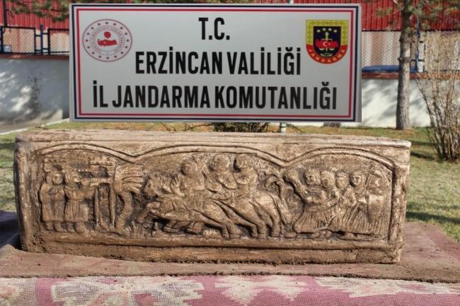 Bizans dönemine ait lahdi sosyal medyadan satışa çıkardı, yakalandı