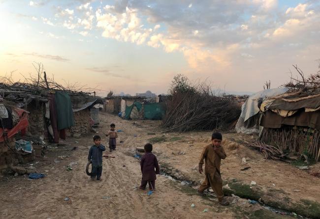 Pakistan'ın başkenti İslamabad'da Afgan sığınmacıların yaşadığı kamplardan biri. Fotoğraf: Reuters