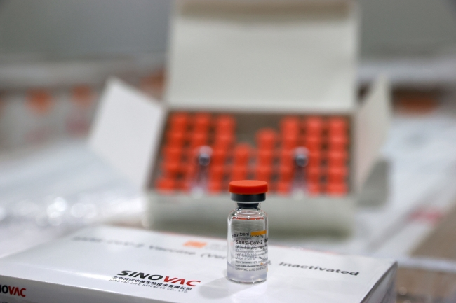 Aşılar uzman ellerde